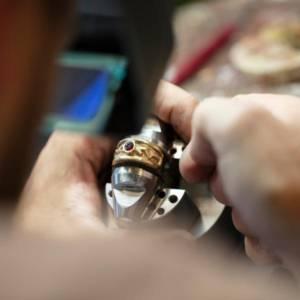 Pleje og vedligehold af smykker